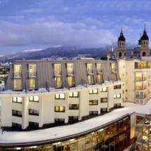 hotel-grauer-bär-innsbruck-exterior-660x360