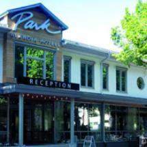 park-alandia-hotel-facade-2018-1130x369